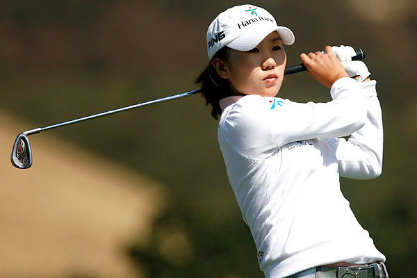 South Korea's In-Kyung Kim shot a 3-under 69 to take a one-stroke lead.