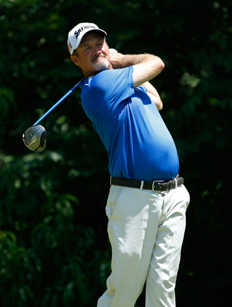 Jerry Kelly fired a 66 to join Vegas in third.