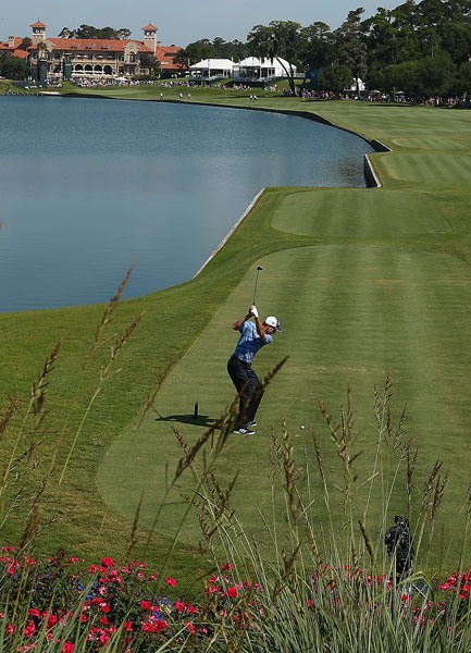 Jim Furyk put himself in contention with a second-round 68 to get to -6, six shots behind Martin Kaymer.