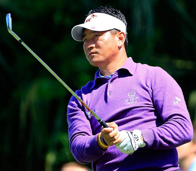 K.J. Choi also had a 69.