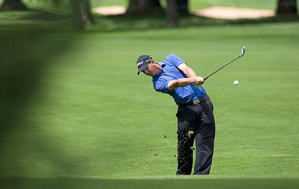 Matt McQuillan pf Canada matched Els with a two-under 68.