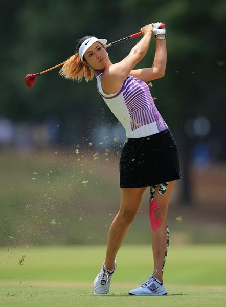 Wie is one of just two players under par at a very dry and difficult Pinehurst No. 2 course.