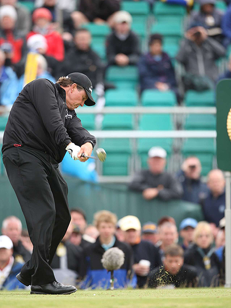 Phil Mickelson's ball striking was solid Thursday. He hit 10 of 15 fairways and 14 of 18 greens in regulation, but needed 33 putts to complete his even-par round of 71.