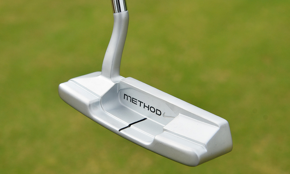 With a flowing shaft bend and heel-toe weighting, it's a familiar and timeless blade design.
