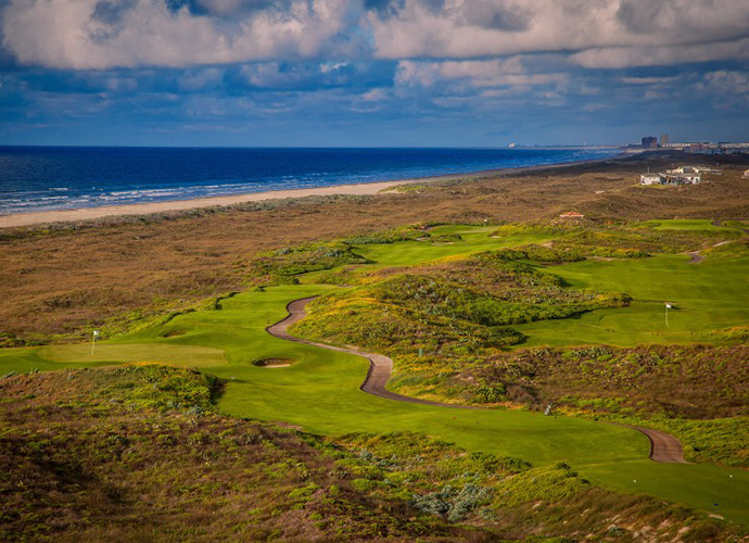 Palmilla Beach, Port Aransas: Seaside golf in Texas? Believe it. Situated along the Gulf Coast, not far from Corpus Christi sits this distinctive Arnold Palmer design on Mustang Island. Formerly known as Newport Dunes, the course was purchased in 2013 by a development group spearheaded by legendary Texas entrepreneur Red McCombs. Currently under renovation, Palmilla Beach's gently rolling, links-like terrain and views of the Gulf of Mexico will always be powerful enticements. (361-749-4653, palmillabeach.com)