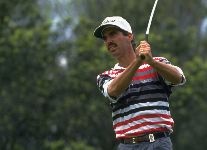 10 (tie): Corey Pavin                       The 2010 Ryder Cup captain made the list via just one major victory, in 1995 at the U.S. Open held at Shinnecock Hills where he outdueled Greg Norman in a battle towards par. His swing doesn't deserve to be higher on the list, but it is unorthodox enough to be included.