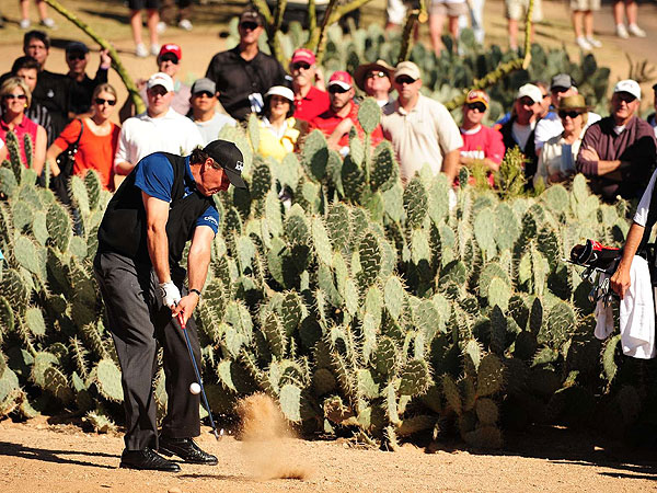 Phil Mickelson (United States)                       World ranking: 3                       Ball: Callaway Tour ix