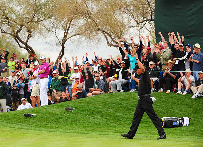 In his third start of the season, Mickelson wowed the crowds at the Phoenix Open by winning his first title of the year. His victory included a near-59 in the first round, but his putt for 59 curled out of the cup, leaving him with a 60.