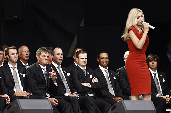 Welsh singer Katherine Jenkins serenaded the players and the crowd during the ceremony.