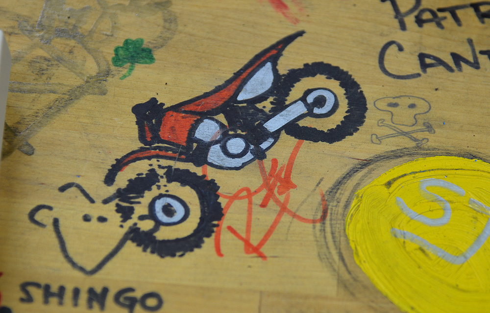 Rickie Fowler, who loves motorcycles, has been coming to Cameron's studios since he was an amateur star. While waiting for some work to be completed on his putter one day, he drew this bike on a workbench.