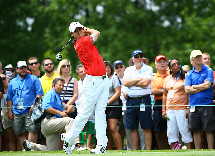Rory McIlroy cruised on Thursday at Muirfield Village, firing a 63 to take the lead.