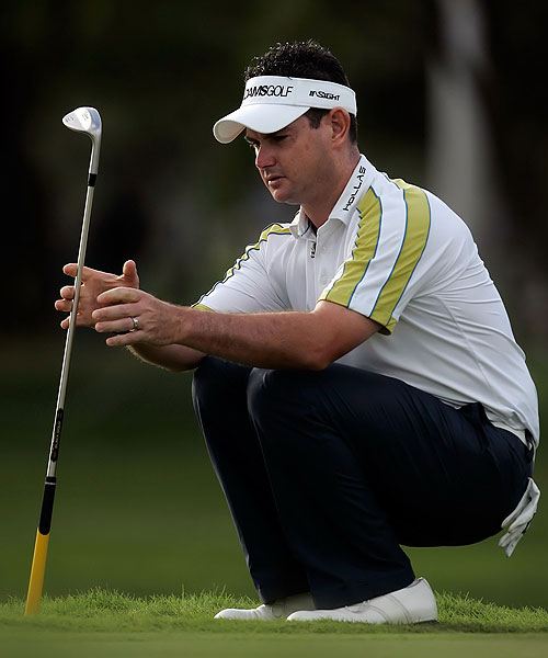 Low scores, but not low enough                       Only two players scored in the 60s in all four rounds of the Sony Open, Rory Sabbatini (66-69-66-68, left) and Jerry Kelly (67-67-69-67). Choi shot 71 on Sunday, but that was still good enough to finish 14 under, three shots ahead of Sabbatini and four ahead of Kelly.