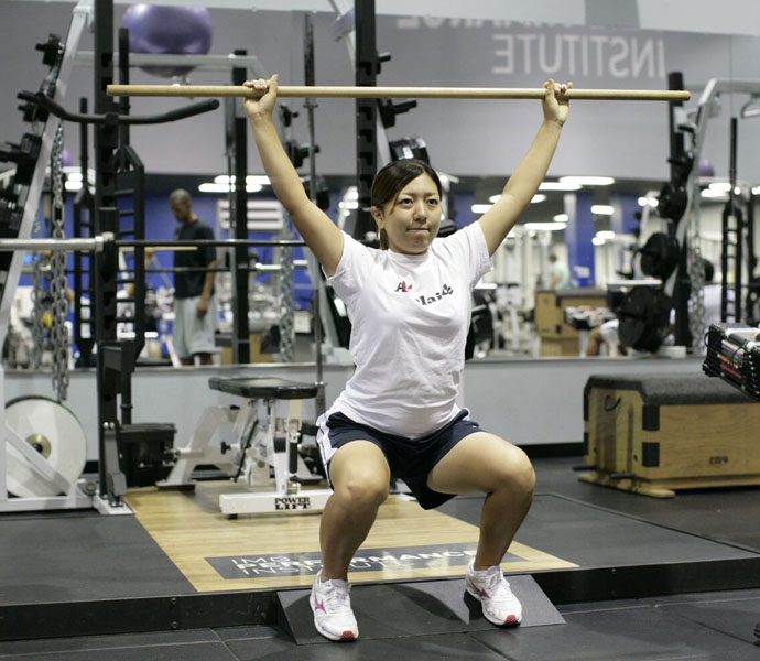 Mika Miyazato shows its not all about weights.