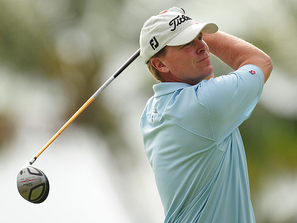 Steve Stricker                     Madison, Wis.                     Age: 41                     RC Rank: 23                     Driving Yds. 283.6 (134th)                     Fairways Pct. 56.36% (181st)                     GIR Pct. 63.72% (91st)                     Putting Avg. 1.782 (64th)                     Ryder Cup (R) 0-0-0                     World Rank 8th                     Stricker's yearlong run of good play in 2007                     carried into early '08, and he reached No. 3 in                     the World Ranking before a late-spring minislump. He's a very good                     iron player, did well in two Presidents Cups (5-5-0) and is one of the                     Tour's better putters. He's had a few unpleasant meltdowns — such as                     the final rounds of last year's U.S. (76) and British (74) Opens.                                          See the Ryder Cup Ranks for the European team