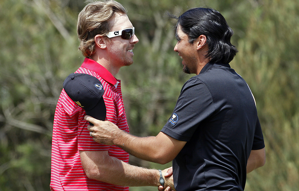 Hunter Mahan routed Jason Day in singles and finished 4-1.