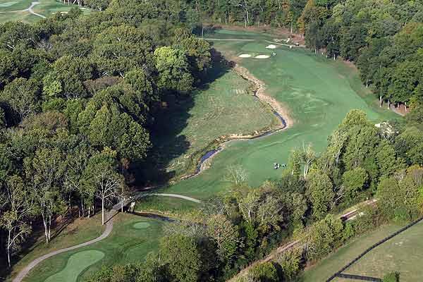 """Hole 2 — """"The Ridge""""                       505 yards, par 4"""
