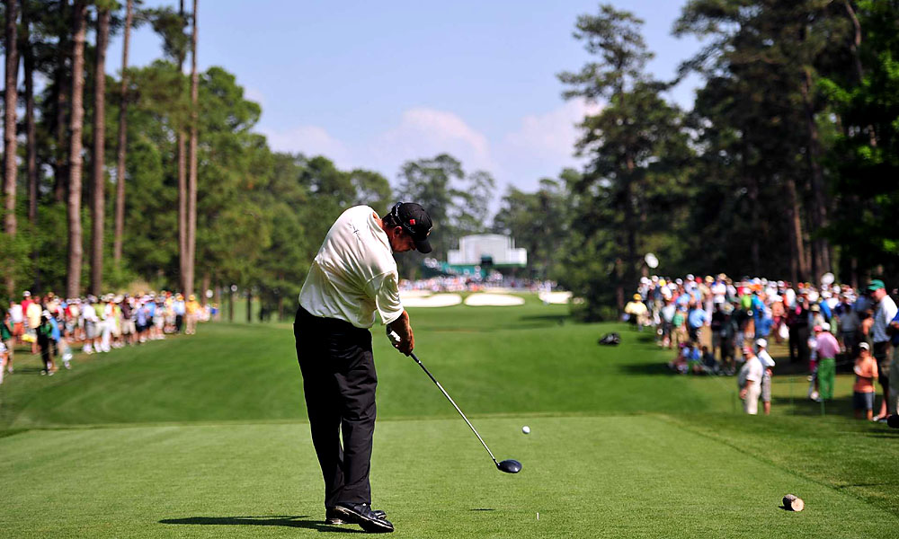 Van Pelt carded his best finish in a major at the 2011 Masters, where he tied for eighth place.