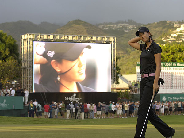 Wie shot a disappointing 78-76 at the 2007 Sony Open and was never close to making the cut. In fact, only two players shot a higher score than Wie during the first two rounds.