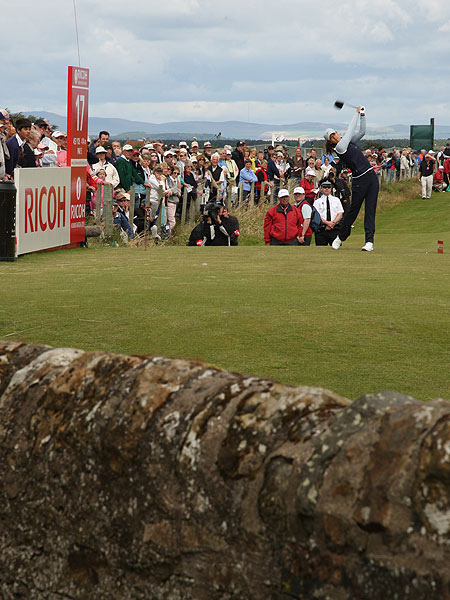 Continuing her 2007 slide, Wie shot 73-80 to miss the cut at the 2007 Women's British Open on the Old Course at St. Andrews. For the season, Wie's best performance was 19th in a 20-player field at the Samsung World Challenge, 36 strokes behind winner Lorena Ochoa.