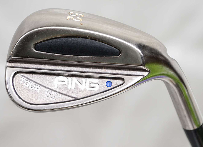 Wilson carries a Ping Tour gap wedge (52°) has a Ping CS Lite shaft.