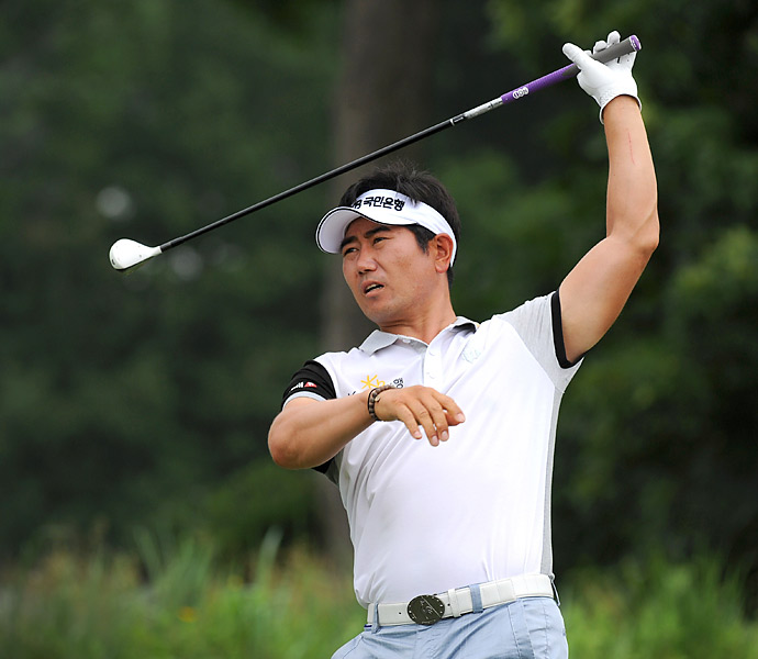 2009 PGA champion Y.E. Yang struggled to a 74.