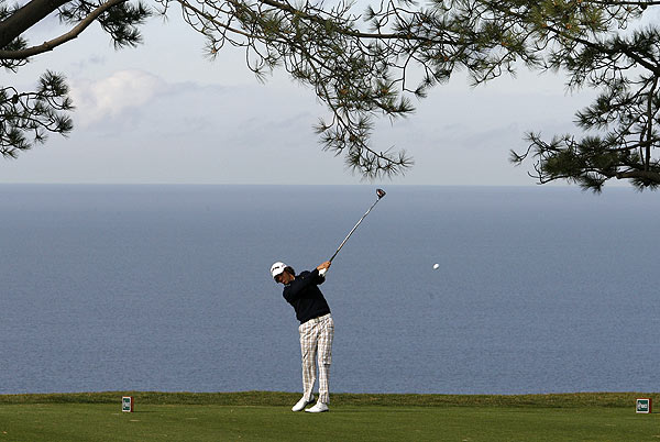 Aaron Baddeley is also at six under par, three strokes behind Villegas.