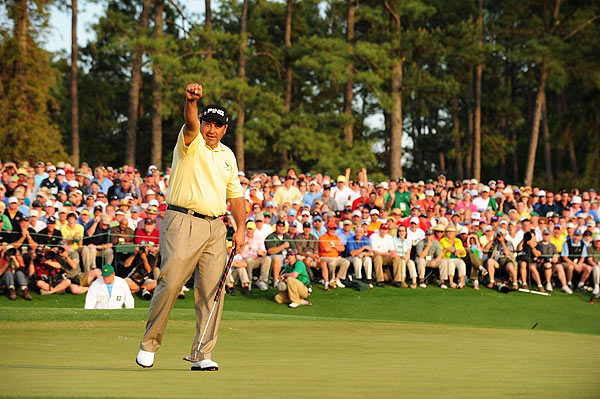 SI's Best Shots from the 2009 Masters                     Angel Cabrera won his second major tournament on Sunday in a playoff with Kenny Perry and Chad Campbell.