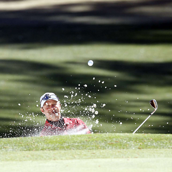 Jerry Kelly collapsed on the back nine, shooting a six-over 42.