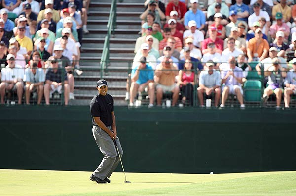 Tiger Woods started his second round birdie-bogey on the first two holes.