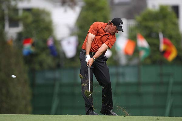 Phil Mickelson had bogeys on Nos. 6 and 8 on Friday.