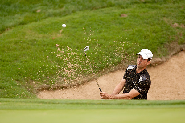 Mike Weir continued his poor play of late with a 79 on Thursday.