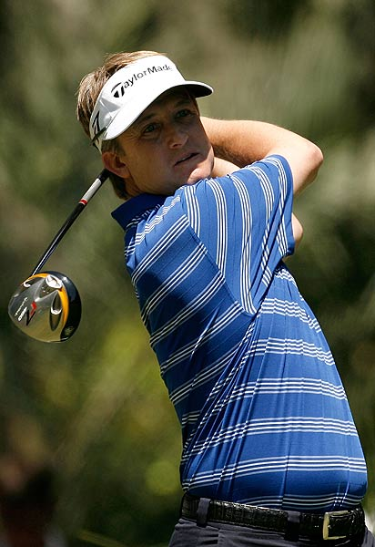 David Toms started out with back-to-back birdies on the first two holes. He is at one over par.