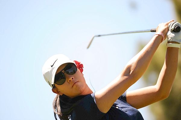 Michelle Wie moved into contention with a 5-under 67.