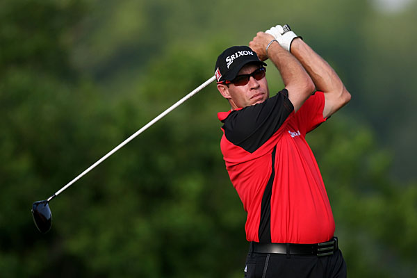 is 1-over par through six holes in his third round.