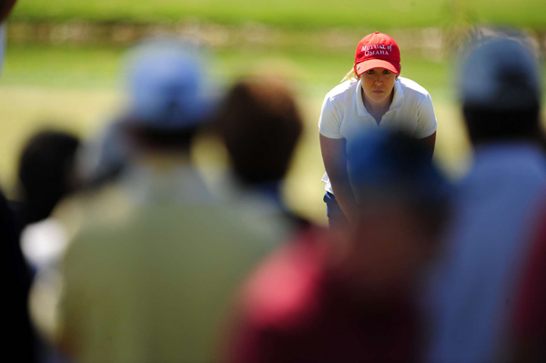 Cristie Kerr birdied 18 to tie for second.