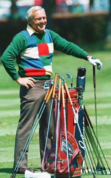 Arnold Palmer with his clubs at the 1985 Masters.