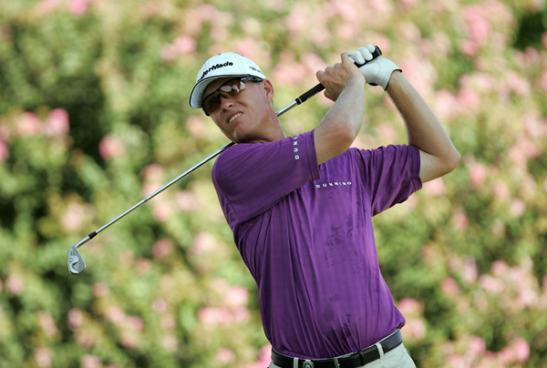 John Senden was near the lead until he went bogey-bogey to end his round at one under.