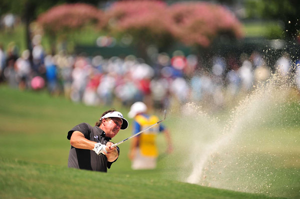 Mickelson then made two bogeys in the next five holes to drop back to even par, where he would stay.