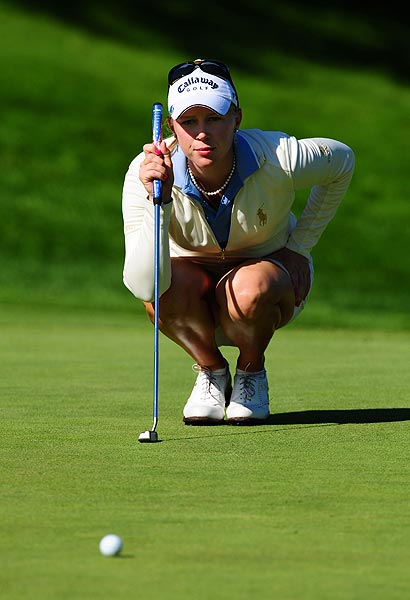 Morgan Pressel is at one under par.