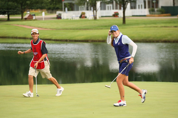 Friday Afternoon Foursomes Matches at the 2009 Solheim Cup                                      Paula Creamer made a 20-foot putt to give the U.S. team a 4 1/2 - 3 1/2 lead at the Solheim Cup.