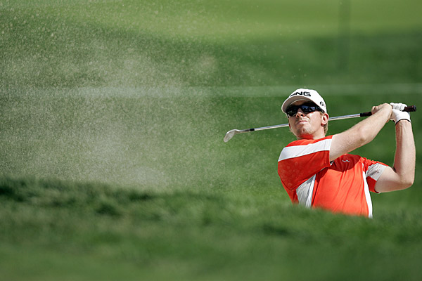 Hunter Mahan shot a two-over 73, a day after firing a nine-under 62.
