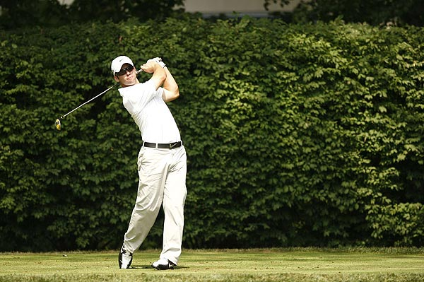 Paul Casey                       England                       Age: 31                                              RC Rank: 19                       Driving Yds. 299.2 (16th)                       Fairways Pct. 62.43% (103rd)                       GIR Pct. 65.71% (42nd)                       Putting Avg. 1.837 (199th)                                              Ryder Cup (2) 3-1-2                       World Rank 36th                       Although Casey's last victory in Europe was                       18 months ago, his game suddenly came together                       at the British Open, where he tied for seventh. He then caught                       Nick Faldo's eye and became a captain's pick with four top eight finishes                       in his last six starts. Casey is a big hitter, the kind of player that                       Valhalla should favor, and he's gotten on a roll at just the right time.