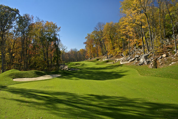 Pound RidgePete and his eldest son, Perry, designed Pound Ridge in New York's Westchester County, only a few miles from Manhattan. With Winged Foot and Trump National nearby, the Dyes crafted a challenging public course on the site of an old nine-hole course.