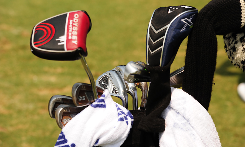 J.J. Henry plays a rusted, raw-steel set of Callaway's RAZR X Forged irons, but his Mizuno JPX wedges are nice and shiny.