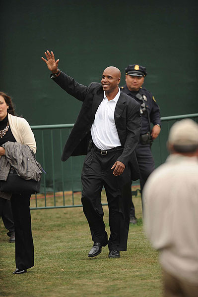 Former San Francisco Giant Barry Bonds made an appearance at the ceremony.