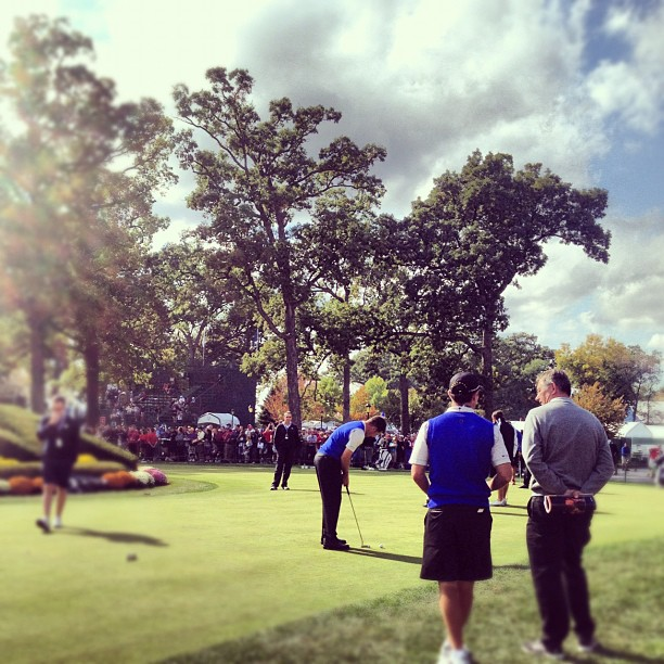 @stephaniemwei:Euros (that's Westy) grinding on the practice green this afternoon. #rydercup