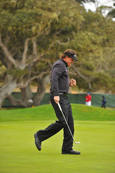 Mickelson's putting was clutch all day. He made two long par putts on the back nine that ended up being essential to his two-stroke victory.