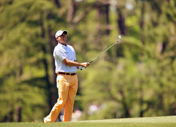 Bill Haas birdied the final hole to move to 4-under and grab sole possession of the lead after the first round of the 2014 Masters at Augusta National.