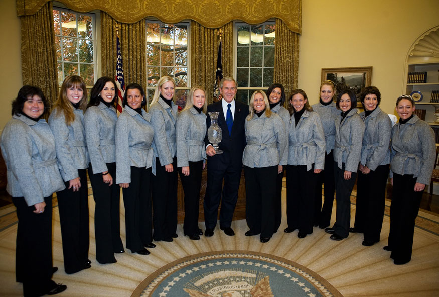 The U.S. Solheim Cup team visited Bush in 2007.