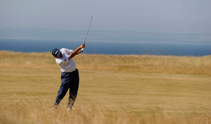 Angel Cabrera was also in the lead, but he bogeyed three of the last five holes.